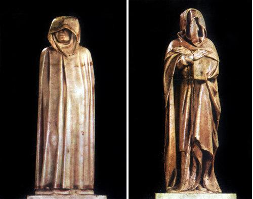 Слева: «Плакальщик» Жан де Камбре, справа: «Плакальщик» Этьена Бобийе и Поля Моссельманса