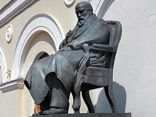 Памятник Н.А. Островскому