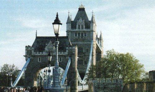 Мост со стороны Тауэра