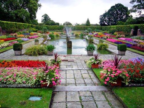 Потайной сад Кенсингтонского дворца