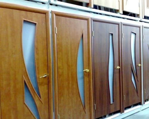 Межкомнатные двери из ламината